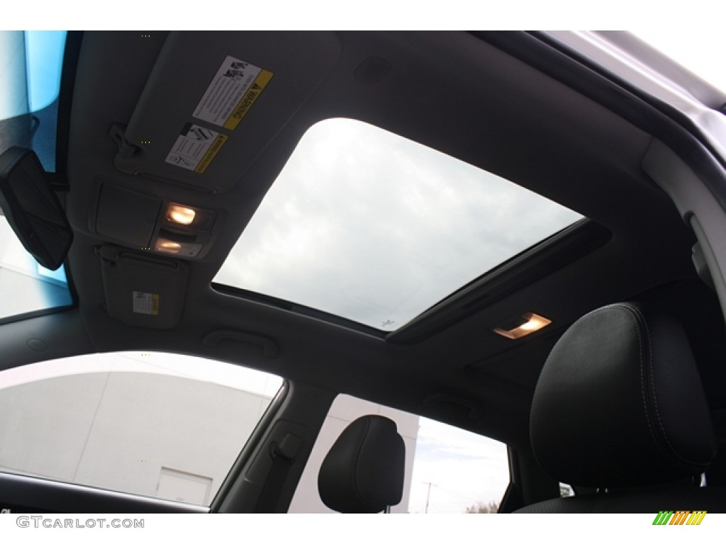 2011 Sorento EX V6 AWD - Bright Silver / Black photo #11