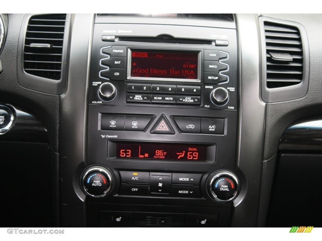 2011 Sorento EX V6 AWD - Bright Silver / Black photo #12