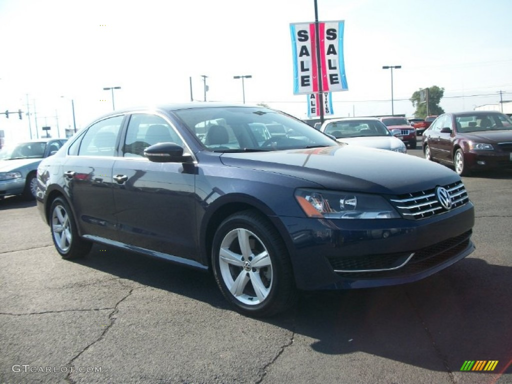 2012 night blue metallic volkswagen passat tdi se. Black Bedroom Furniture Sets. Home Design Ideas