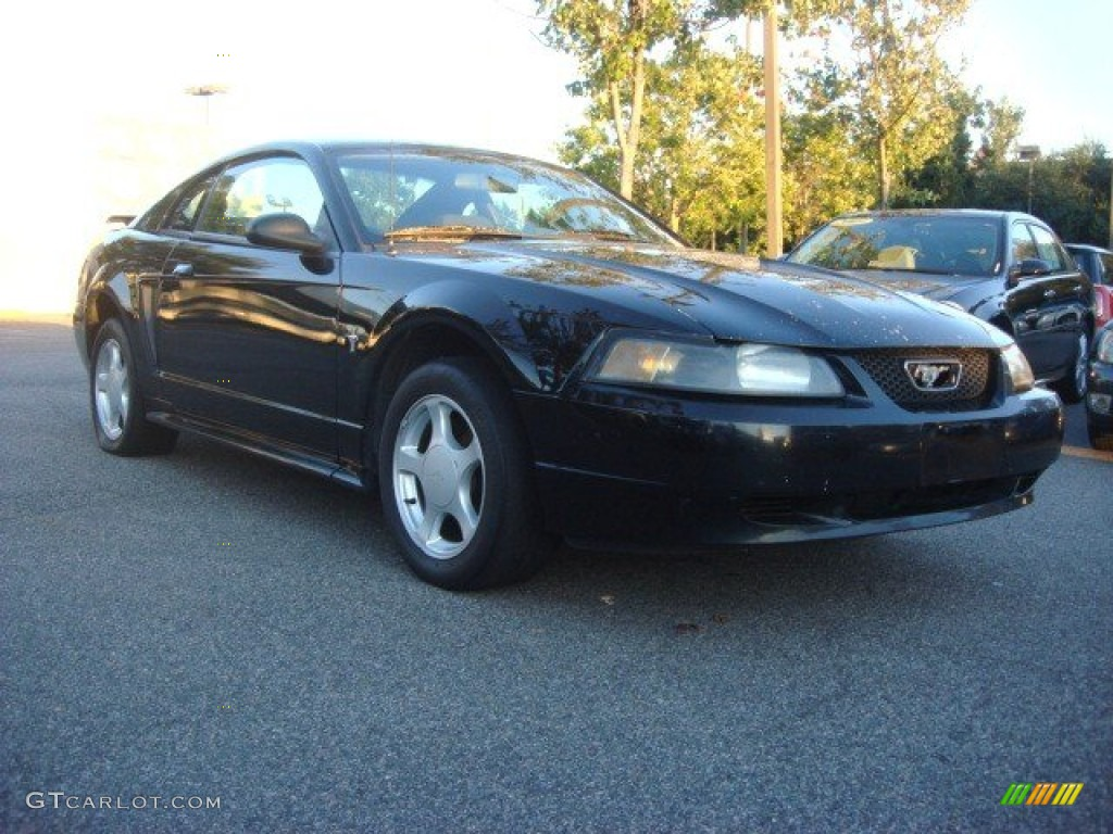 2002 Mustang V6 Coupe - Black / Medium Graphite photo #1