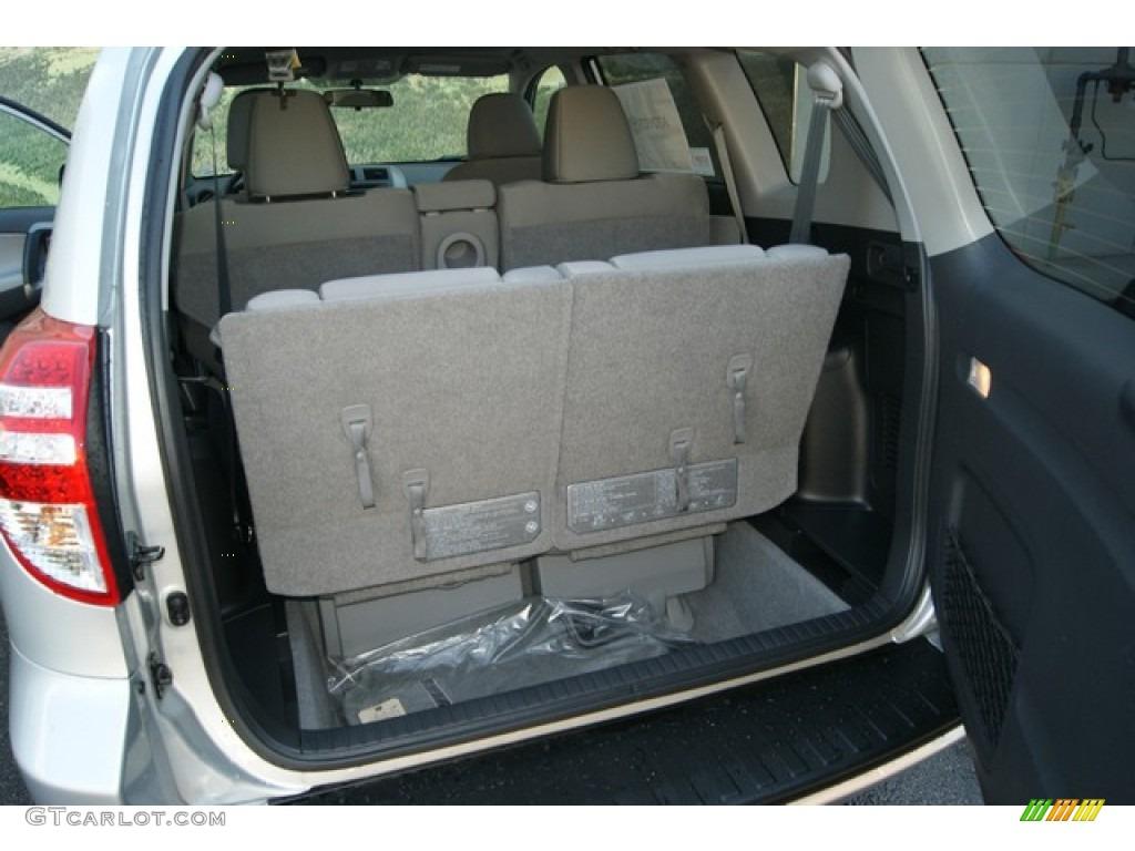 2012 toyota rav4 v6 4wd trunk photo 70873708. Black Bedroom Furniture Sets. Home Design Ideas