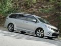 2011 Silver Sky Metallic Toyota Sienna SE  photo #26