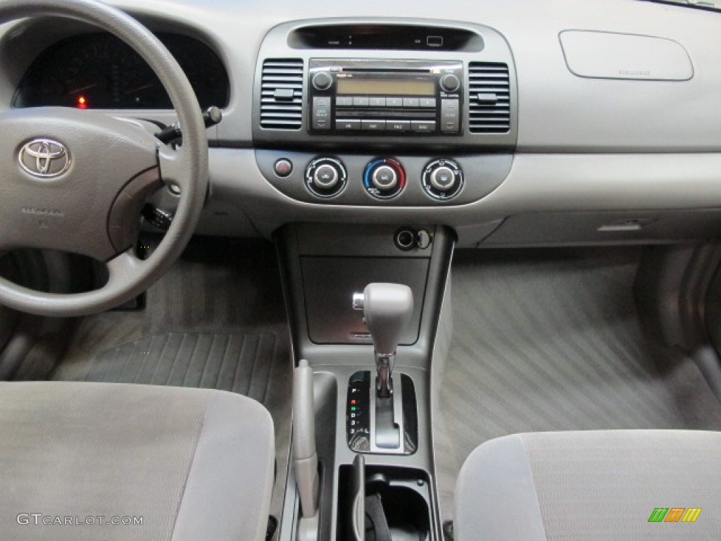 2006 toyota camry le stone gray dashboard photo 70913716. Black Bedroom Furniture Sets. Home Design Ideas