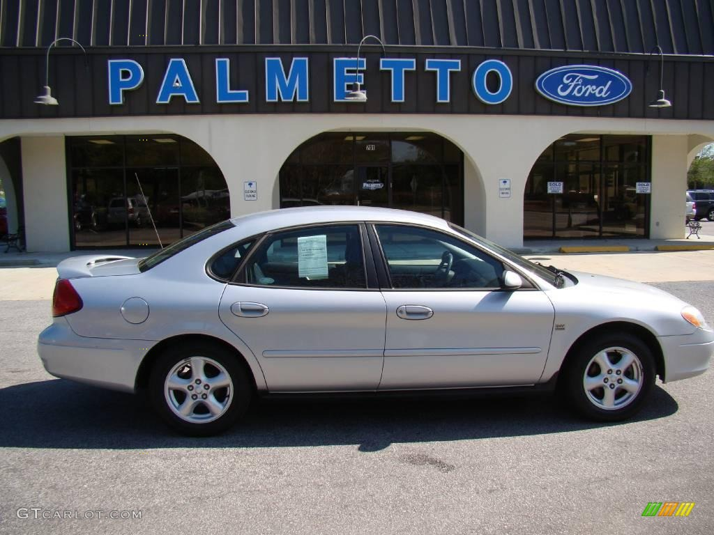 Silver frost metallic ford taurus ford taurus ses
