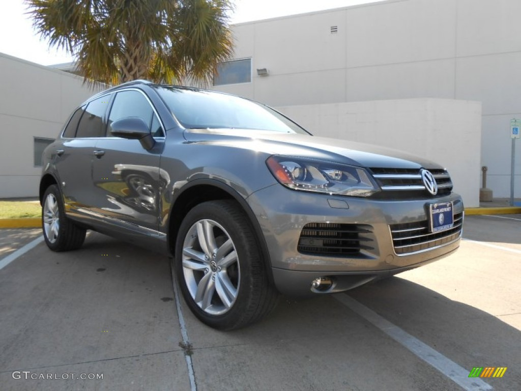 Canyon Gray Metallic Volkswagen Touareg Tdi Executive 4xmotion