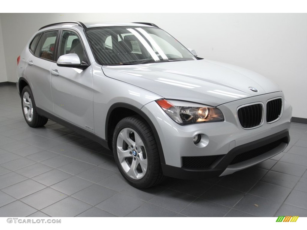 2013 glacier silver metallic bmw x1 sdrive 28i 71063017. Black Bedroom Furniture Sets. Home Design Ideas