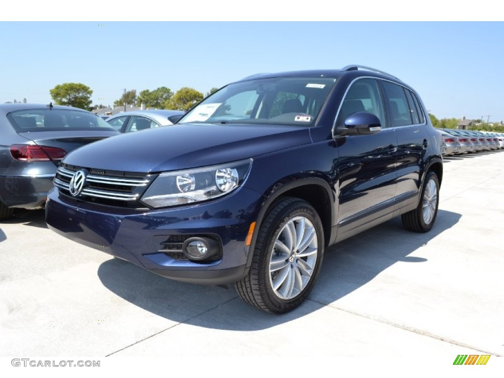2013 night blue metallic volkswagen tiguan se 71132327. Black Bedroom Furniture Sets. Home Design Ideas