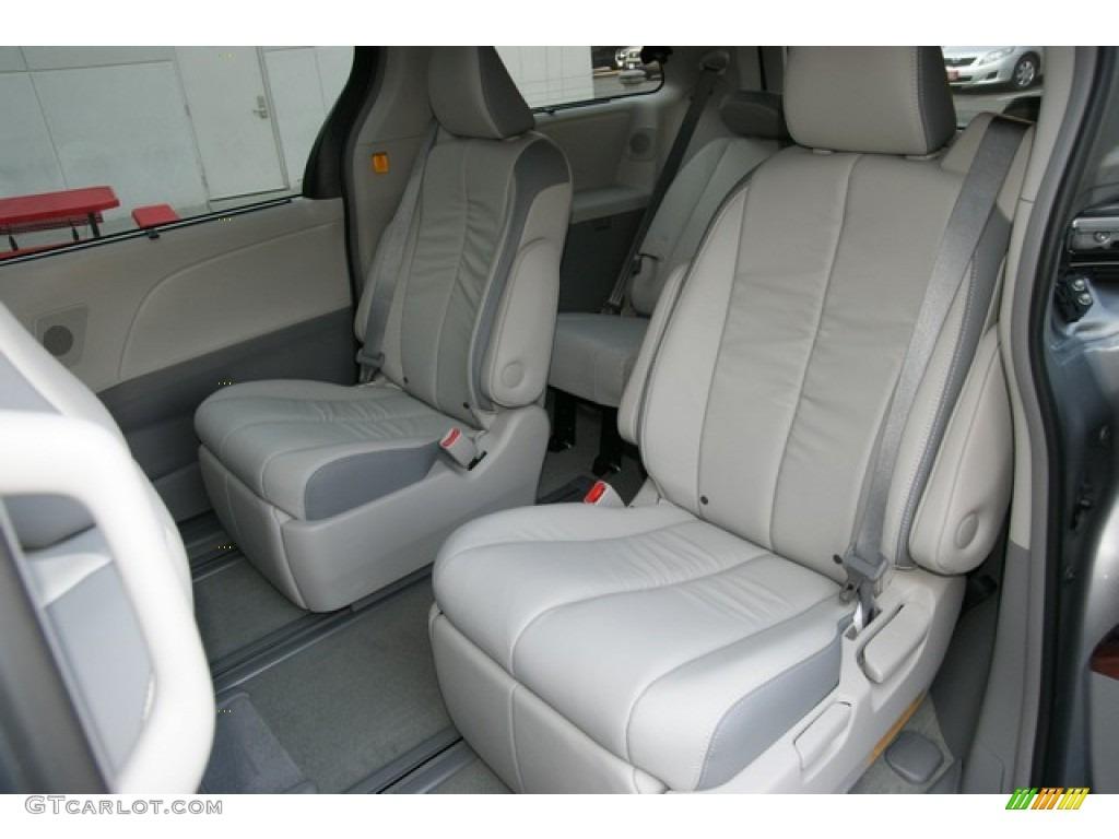 Light Gray Interior 2013 Toyota Sienna Limited Awd Photo 71217547