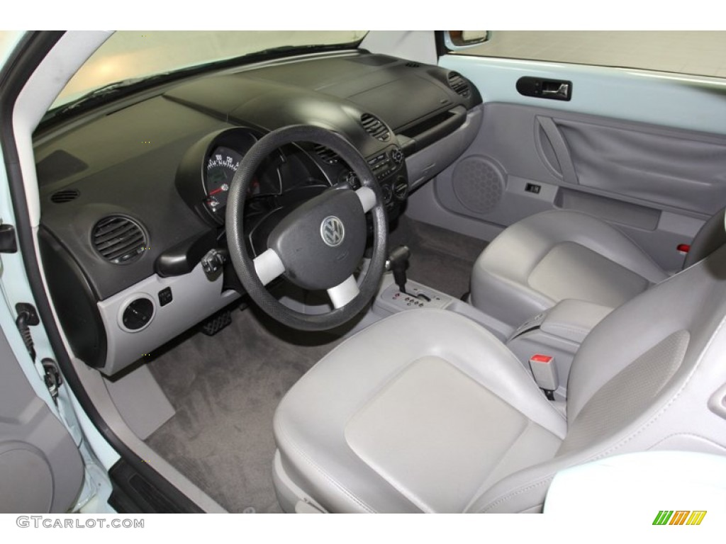 gray interior 2004 volkswagen new beetle gls 1 8t. Black Bedroom Furniture Sets. Home Design Ideas