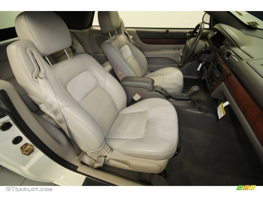 Front Seat Of The Chrysler Sebring  Touring