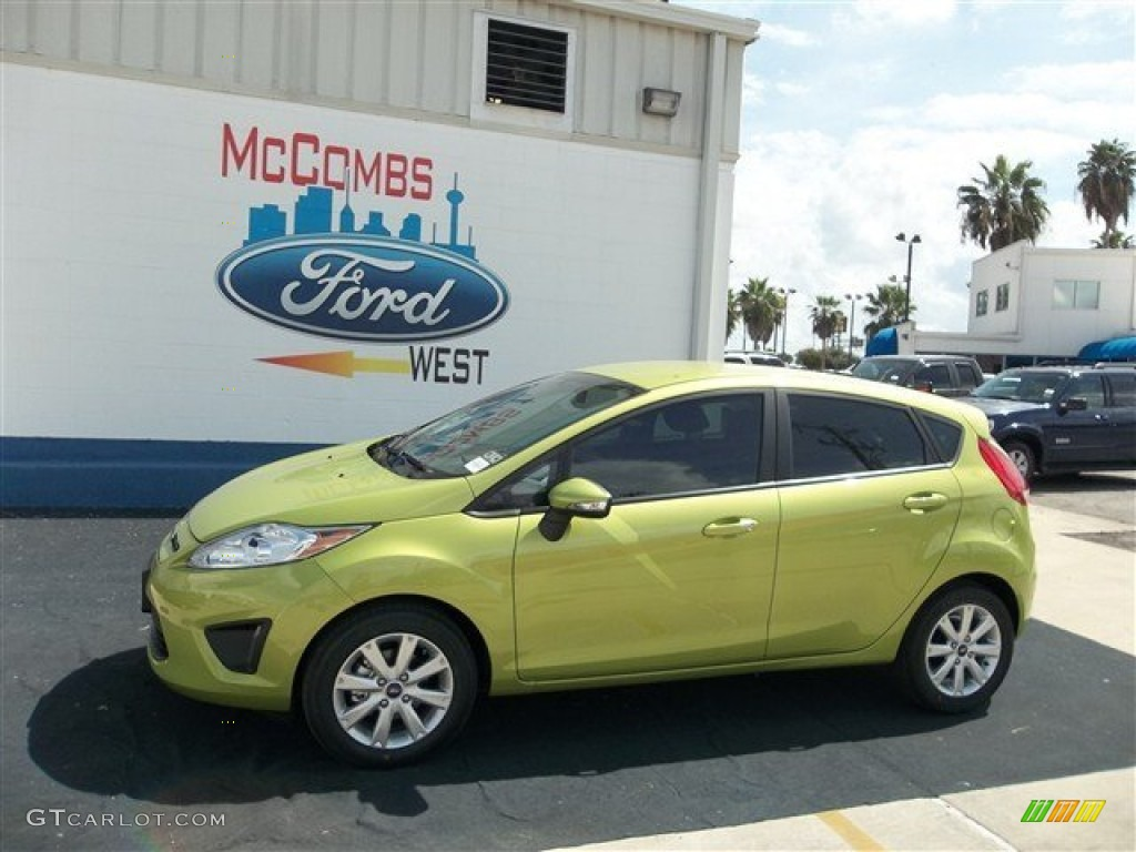 2013 Fiesta SE Hatchback - Lime Squeeze / Charcoal Black photo #1