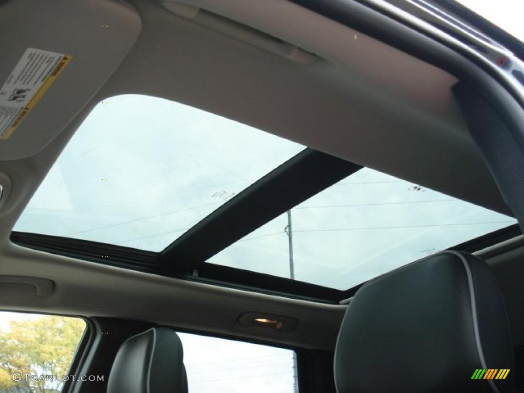 2013 jeep grand cherokee overland 4x4 sunroof photo #71636686