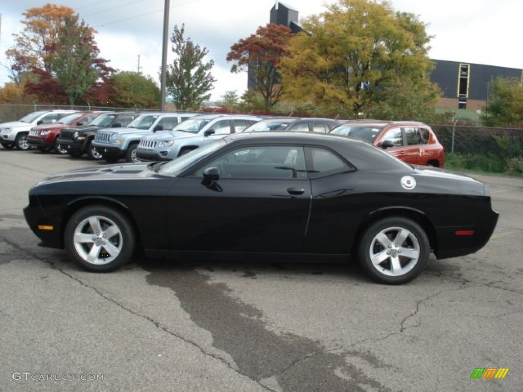 pitch black 2013 dodge challenger sxt plus exterior photo 71639644. Black Bedroom Furniture Sets. Home Design Ideas