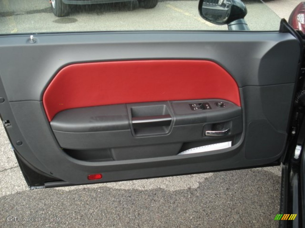 2013 dodge challenger sxt plus radar red dark slate gray door panel photo 71639740