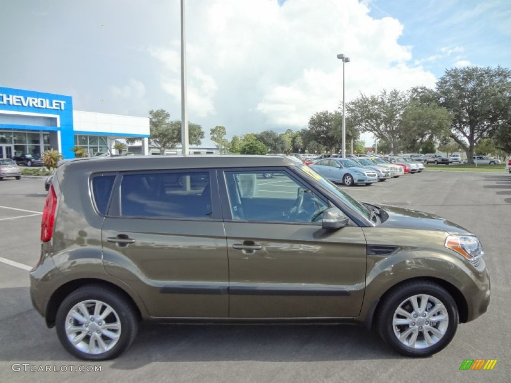 Moss green 2012 kia soul exterior photo 71727893 2012 kia soul exterior colors
