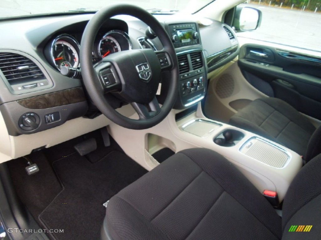 Black Light Graystone Interior 2013 Dodge Grand Caravan Sxt Photo 71731021