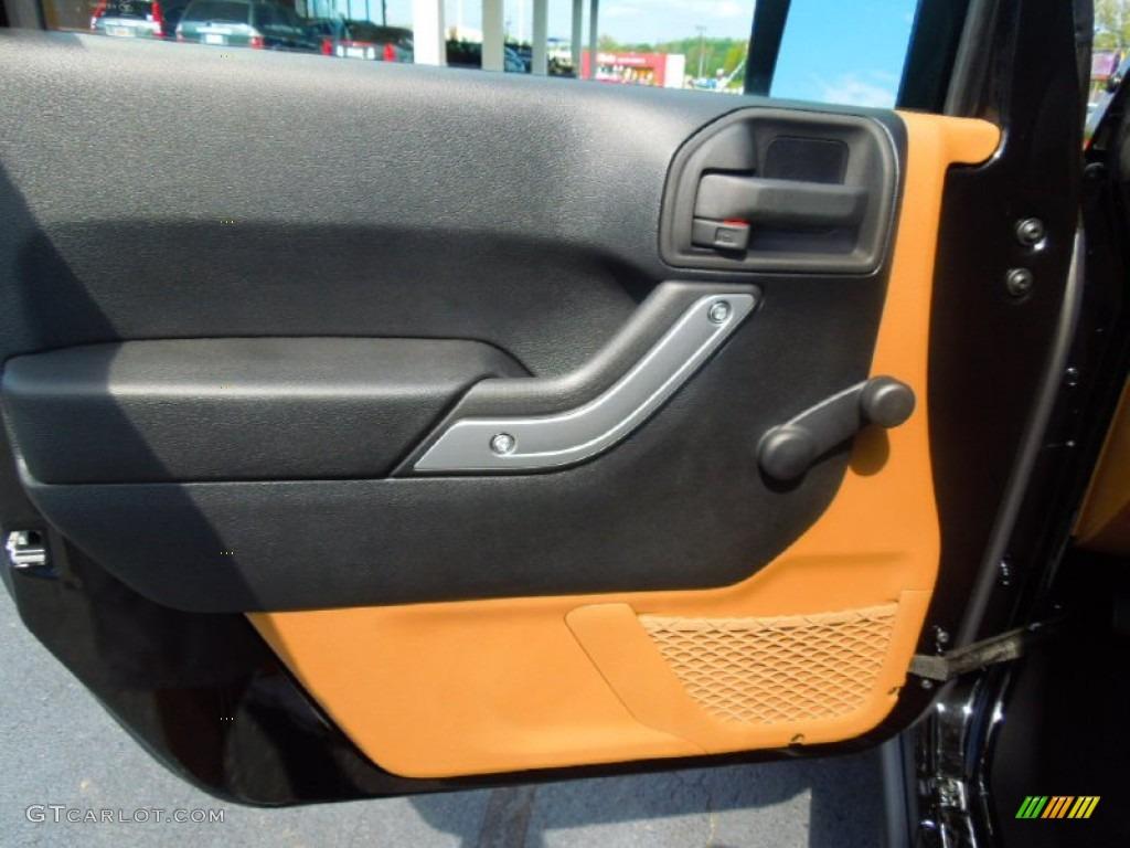 2013 Jeep Wrangler Rubicon 4x4 Door Panel Photos