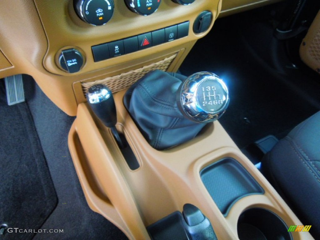 2013 Jeep Wrangler Rubicon 4x4 6 Speed Manual Transmission