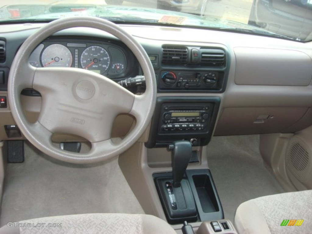 2002 Isuzu Rodeo LS Beige Dashboard Photo #71837752