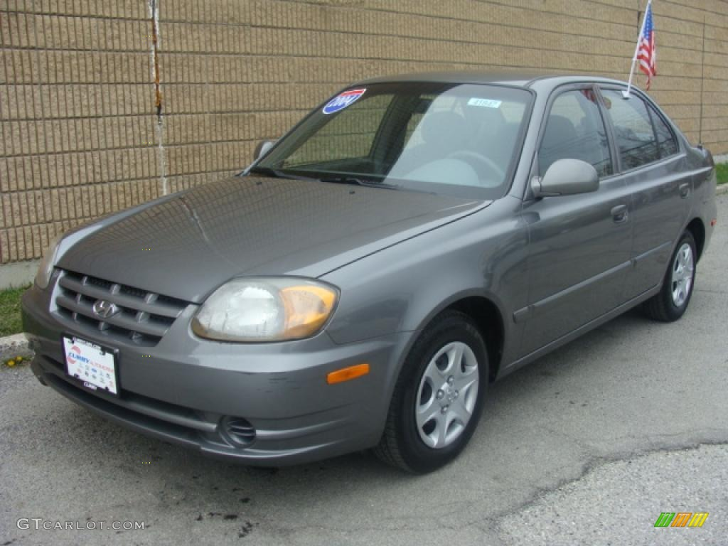 2004 stormy gray hyundai accent gl sedan 7159154. Black Bedroom Furniture Sets. Home Design Ideas