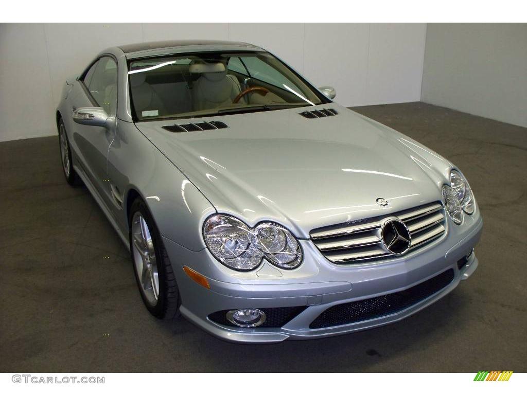 2007 diamond silver metallic mercedes benz sl 550 roadster for Mercedes benz color
