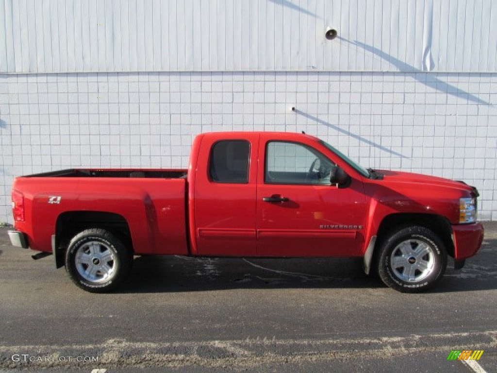 2009 Silverado 1500 LT Extended Cab 4x4 - Victory Red / Ebony photo #2