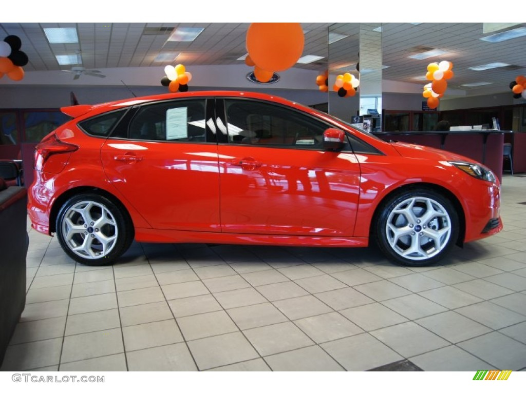 2013 ford focus st red