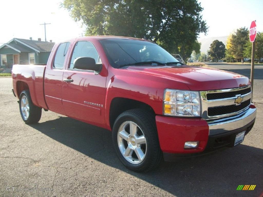 Red 2008 chevy silverado
