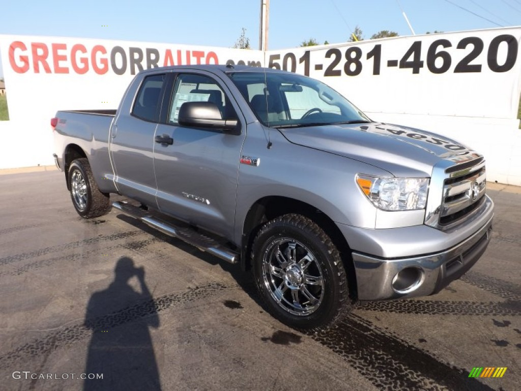 2013 Tundra Crewmax 4x4 Silver Sky Metallic Graphite Photo