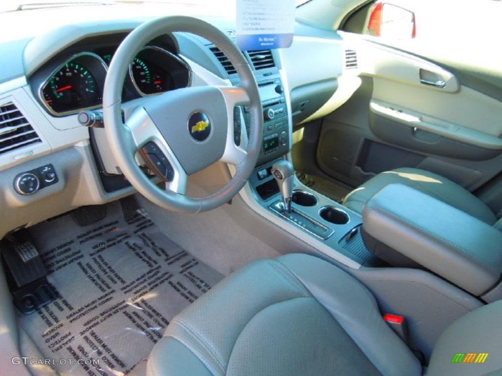 Dark Gray Light Gray Interior 2011 Chevrolet Traverse Lt Photo 72082792