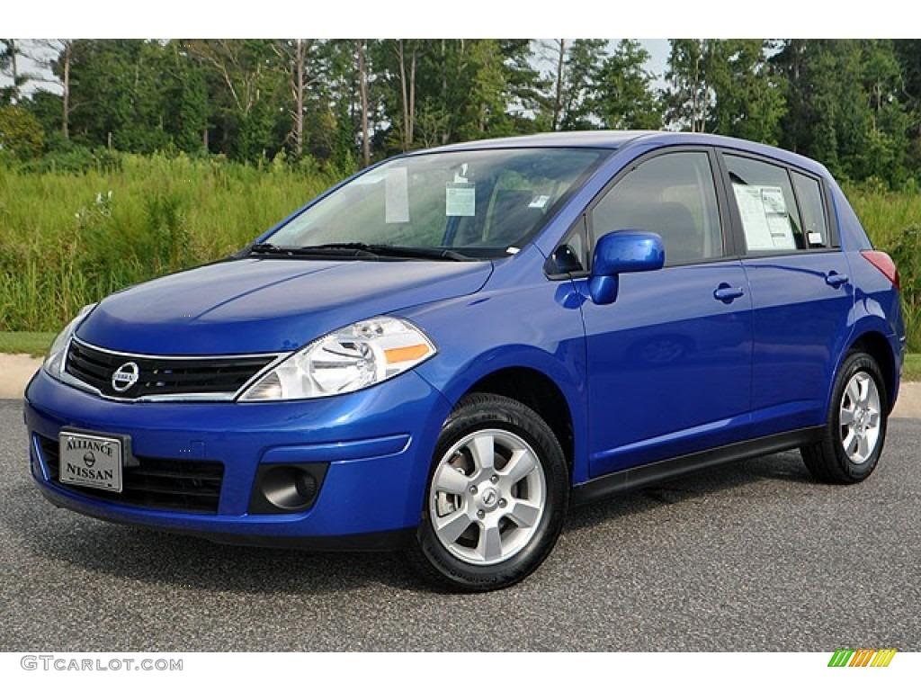2012 metallic blue nissan versa 18 s hatchback 72102333 photo metallic blue nissan versa vanachro Images