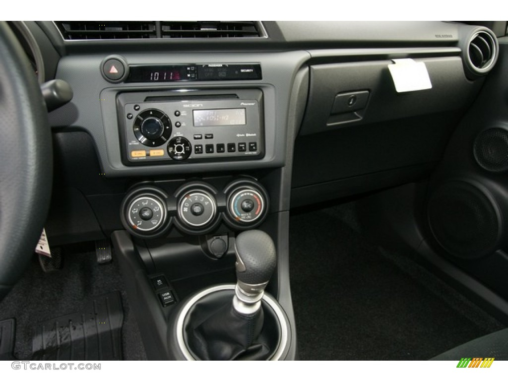 2013 scion tc release series 8 0 dashboard photos. Black Bedroom Furniture Sets. Home Design Ideas