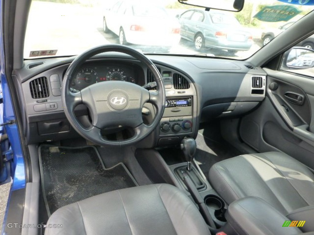 Dark Gray Interior 2004 Hyundai Elantra Gt Hatchback Photo 72209589