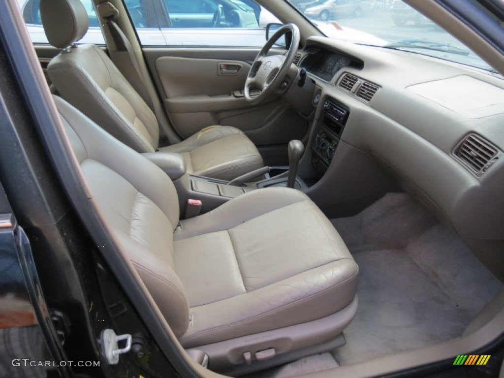 1998 Toyota Camry LE V6 Interior Color Photos