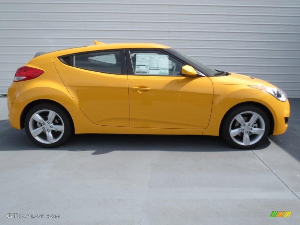 26 2 Yellow 2013 Hyundai Veloster Standard Veloster Model