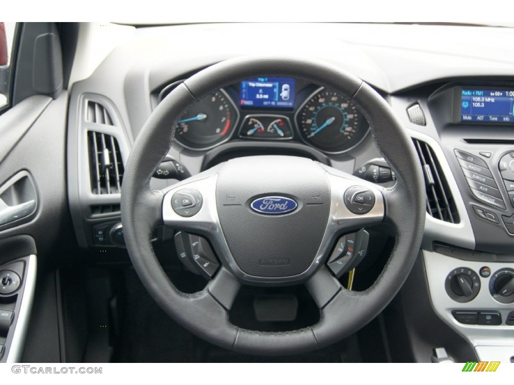 2013 Ford Focus SE Sedan Charcoal Black Steering Wheel ...