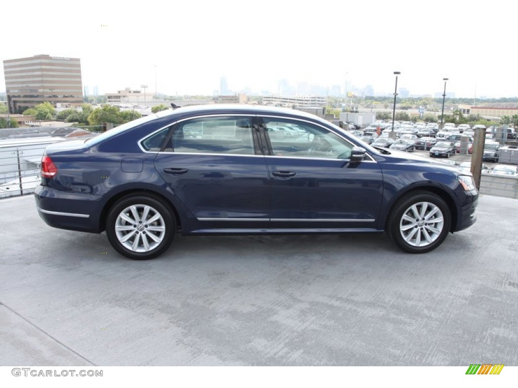 2013 night blue metallic volkswagen passat 2 5l sel. Black Bedroom Furniture Sets. Home Design Ideas