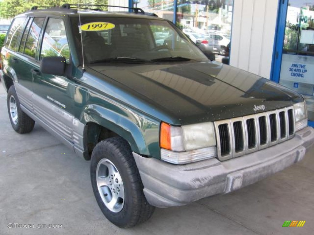 Forest Green Pearl Jeep Grand Cherokee