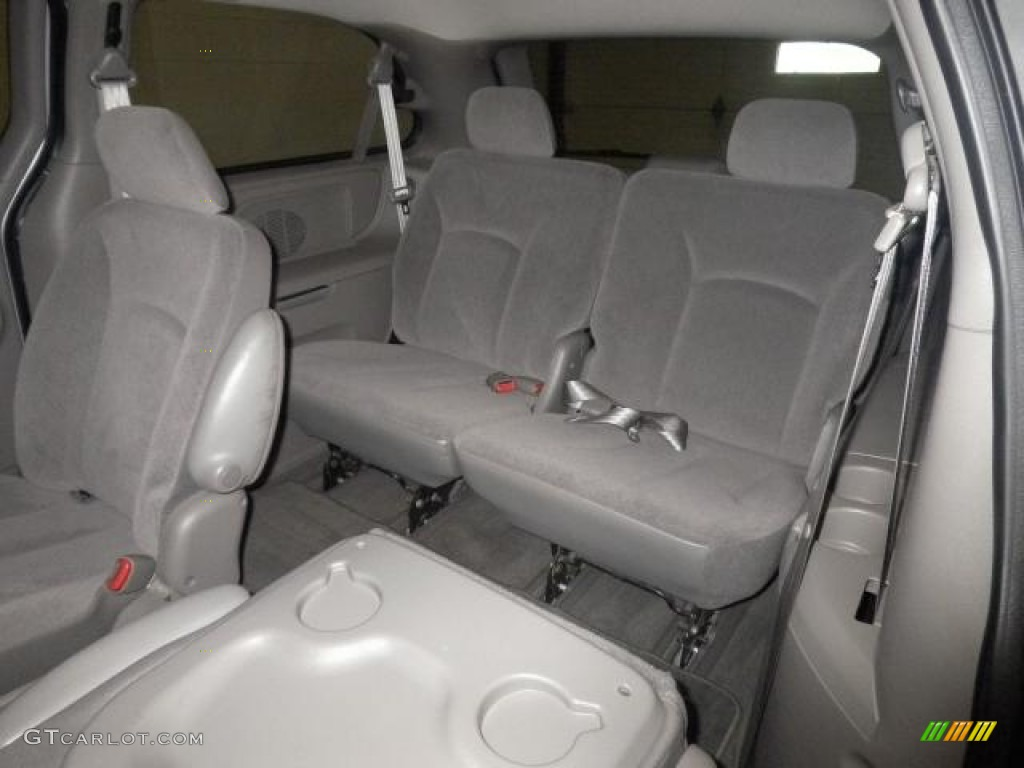 service manual removing back seat on a 2001 chrysler town country 3rd row seats in the. Black Bedroom Furniture Sets. Home Design Ideas