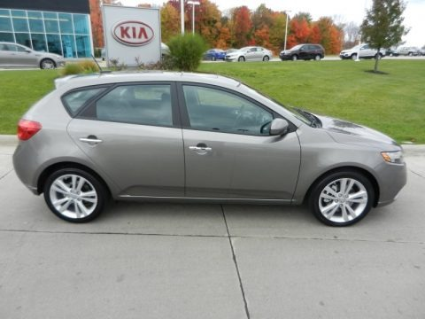 2013 kia forte 5 door sx data info and specs. Black Bedroom Furniture Sets. Home Design Ideas
