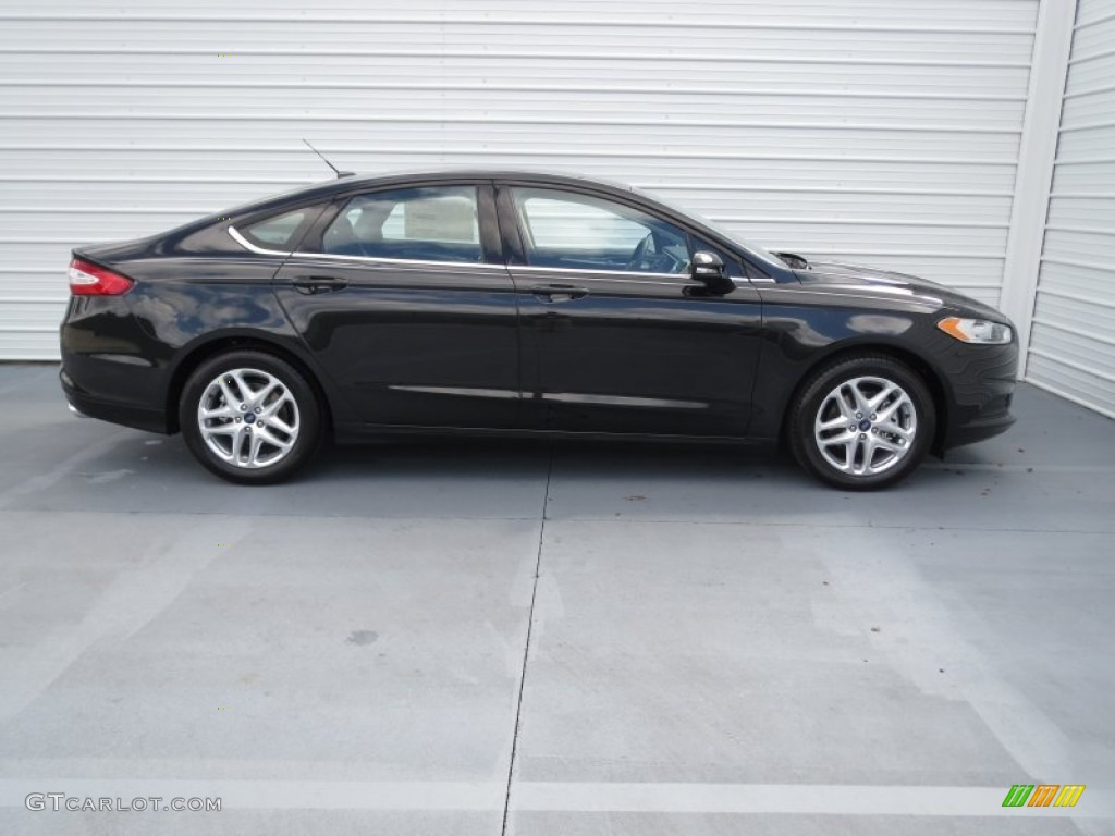 Interior 74132929 besides Interior 56521819 likewise 2015 All Wheel Drive Sedans in addition Exterior 72352098 additionally Wheel 68939451. on 2015 ford fusion hybrid awd