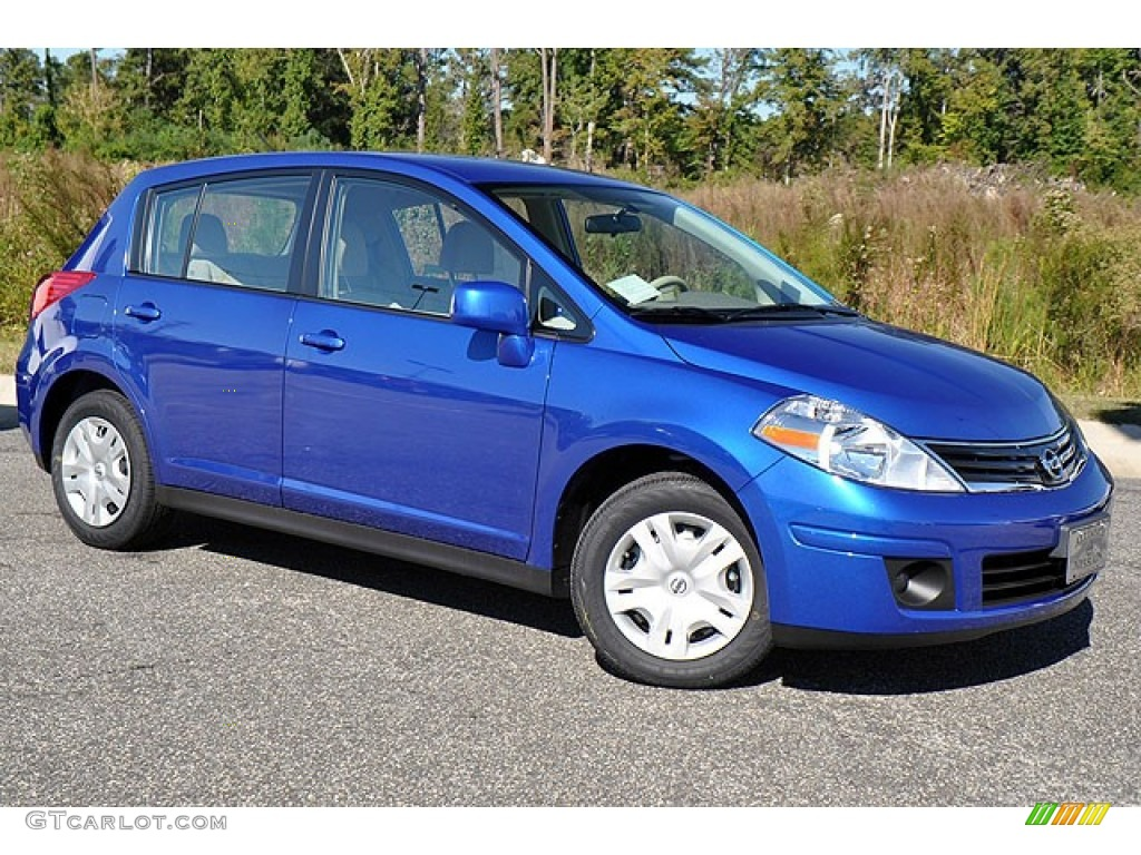 metallic blue 2012 nissan versa 1 8 s hatchback exterior photo 72354264. Black Bedroom Furniture Sets. Home Design Ideas