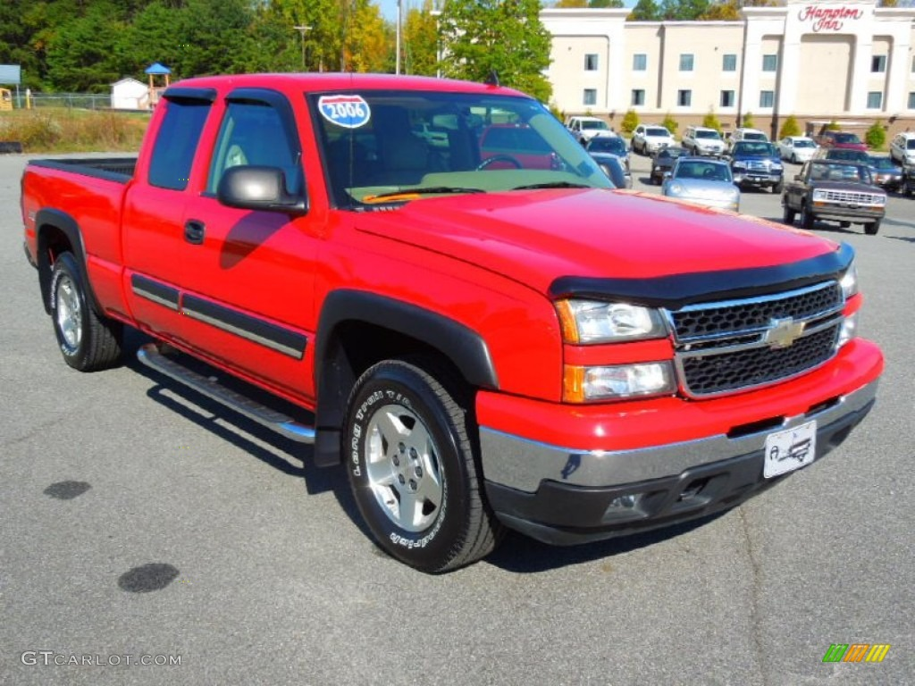2006 Silverado 1500 LT Extended Cab 4x4 - Victory Red / Tan photo #1