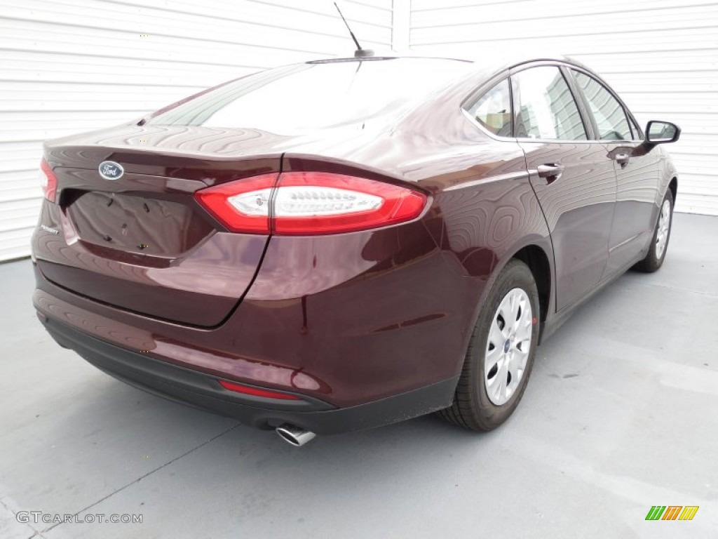 Bordeaux reserve red metallic 2013 ford fusion s exterior photo 72409277 for 2013 ford fusion exterior colors