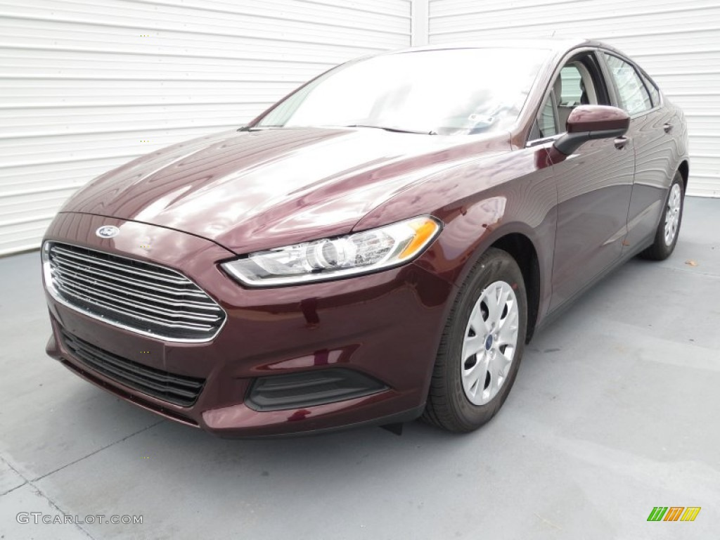 Bordeaux reserve red metallic 2013 ford fusion s exterior photo 72409335 for 2013 ford fusion exterior colors