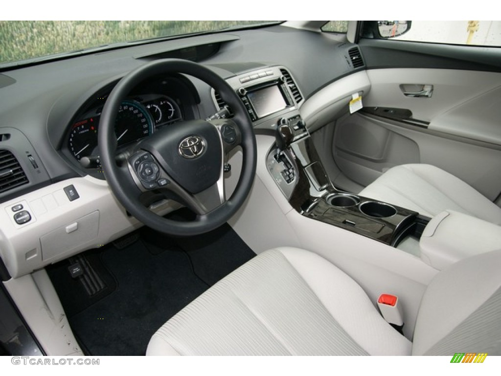 Light Gray Interior 2013 Toyota Venza Le Awd Photo