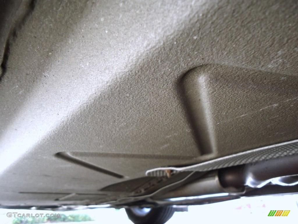 2004 Bmw Z4 2 5i Roadster Undercarriage Photo 72429623 Gtcarlot Com