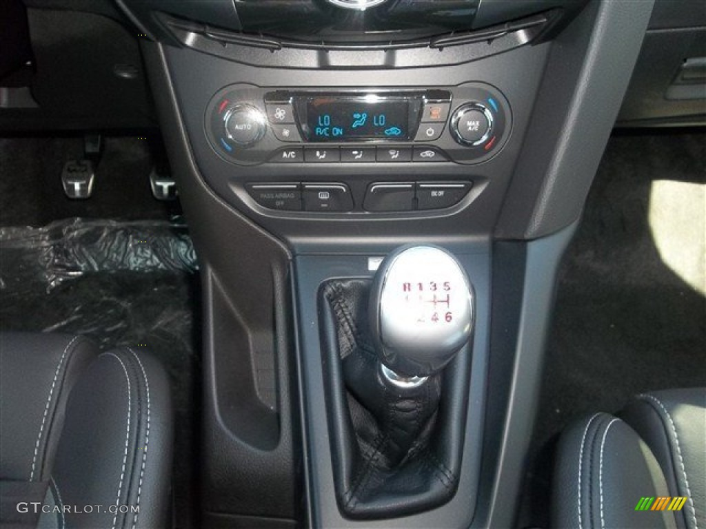 2013 ford focus st hatchback 6 speed manual transmission photo 72439998. Black Bedroom Furniture Sets. Home Design Ideas