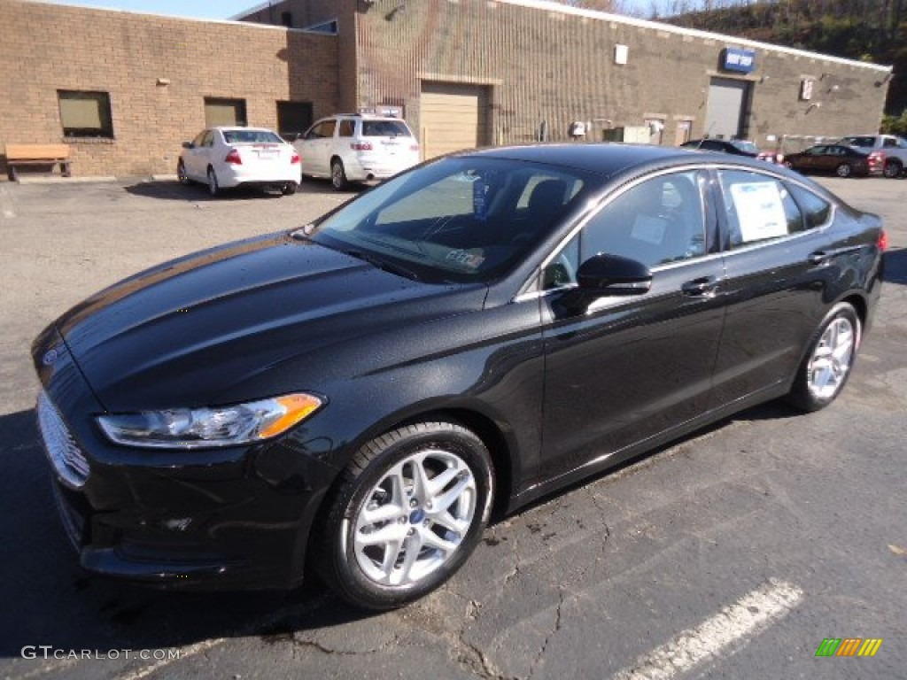 Tuxedo black metallic 2013 ford fusion se exterior photo 72477637 for 2013 ford fusion exterior colors