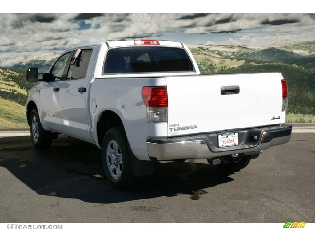 2013 Tundra CrewMax 4x4 - Super White / Black photo #3